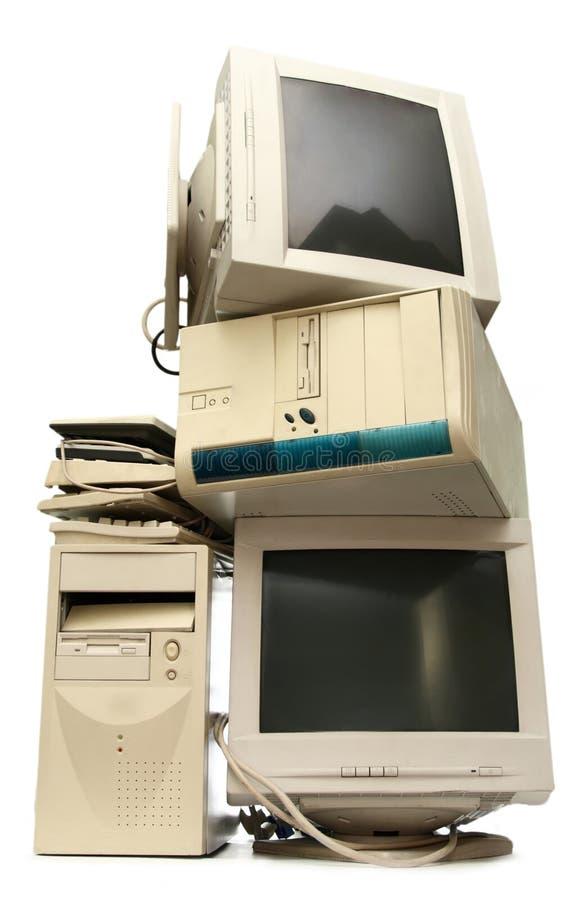 Montão de computadores usados imagens de stock