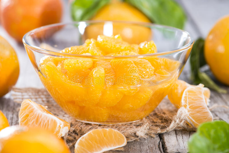 Montão de tangerinas preservadas imagem de stock