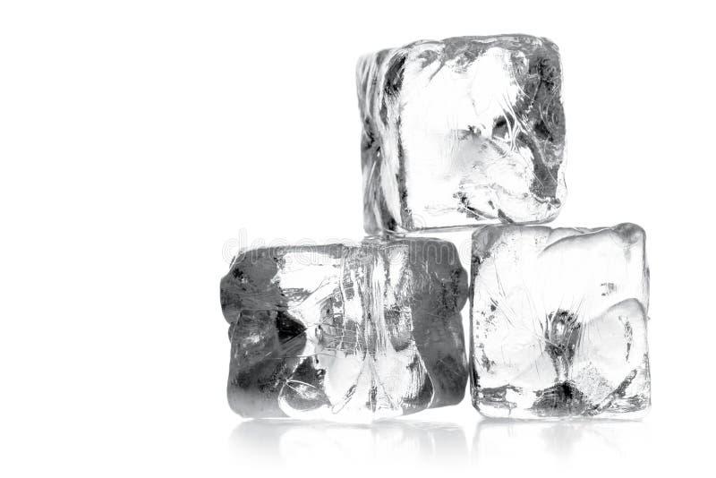 Montão de três cubos de gelo fotos de stock royalty free