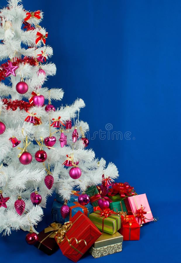 Montão dos presentes de Natal foto de stock