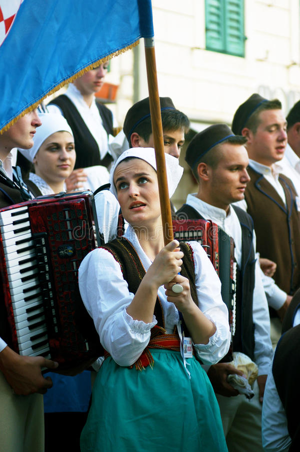 Monténégro, Herceg Novi - 28/05/2016 : Membres d'ensemble Rakalj de folklore de Rakalj, Croatie photo stock