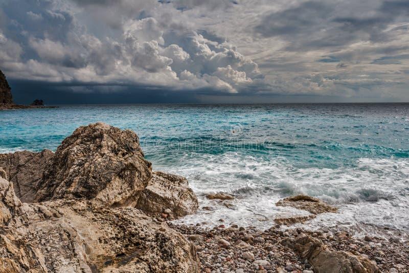 Monténégro, Petrovac, beau paysage marin photographie stock libre de droits
