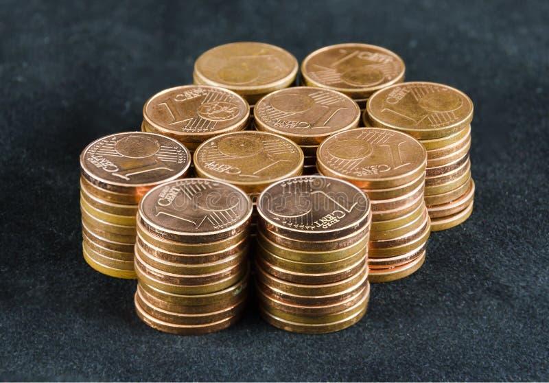 Montón de cientos monedas del uno-Euro-centavo imagen de archivo libre de regalías