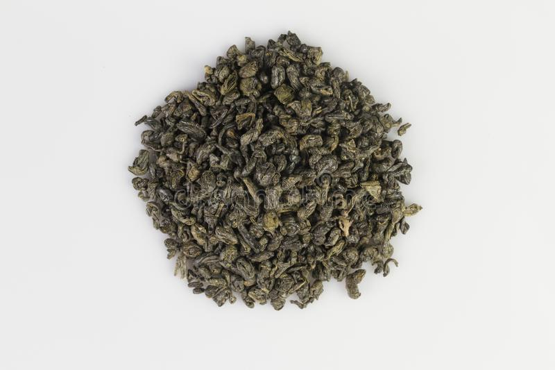 Montón de las pelotillas verdes del té de la pólvora fotografía de archivo