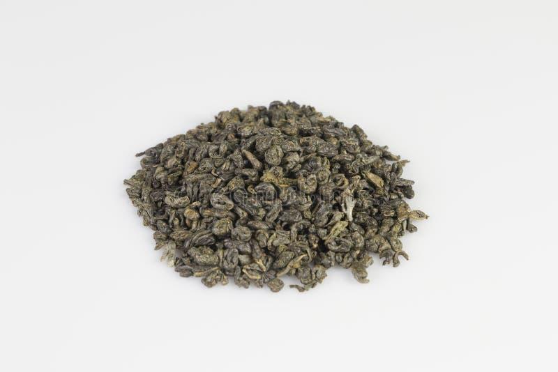 Montón de las pelotillas verdes del té de la pólvora imágenes de archivo libres de regalías