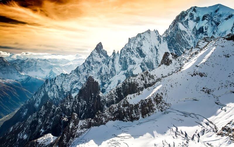 Mont Blanc, Courmayeur, helcopter royalty-vrije stock afbeeldingen