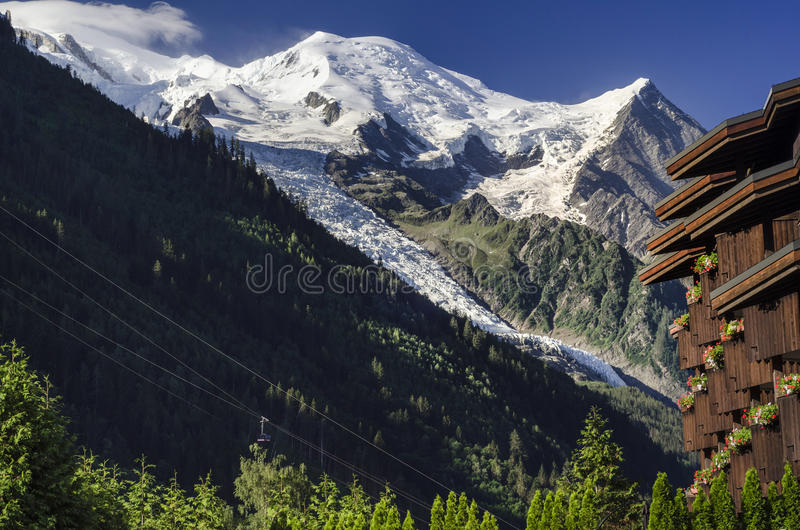 Mont Blanc de Chamonix, montañas francesas, Francia foto de archivo