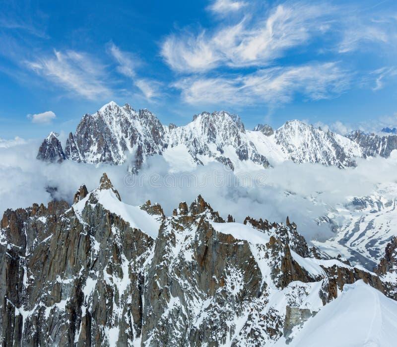 Mont Blanc-de mening van het massief van Aiguille du Midi zet, Frankrijk op royalty-vrije stock foto's