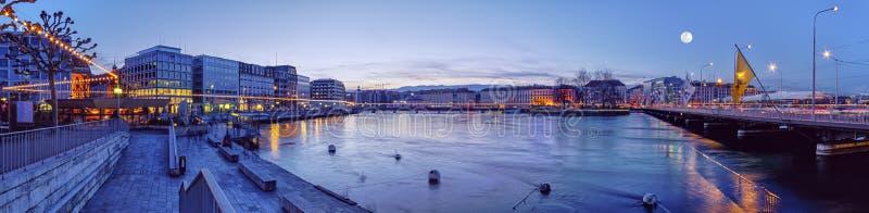 Mont Blanc jettent un pont sur et le Rhône, Genève image stock