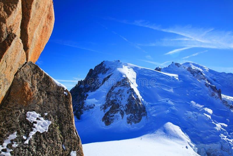 Mont Blanc & x28; 4810m& x29; i Haute Savoie Frankrike, Europa arkivfoto