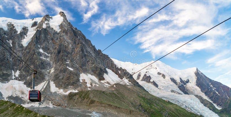 Mont Blanc Massif, Frankreich Cable Car von Chamonix nach Aiguille du Midi lizenzfreie stockfotos