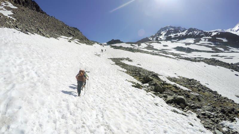 Mont Blanc rampicante sulle alpi fotografie stock libere da diritti