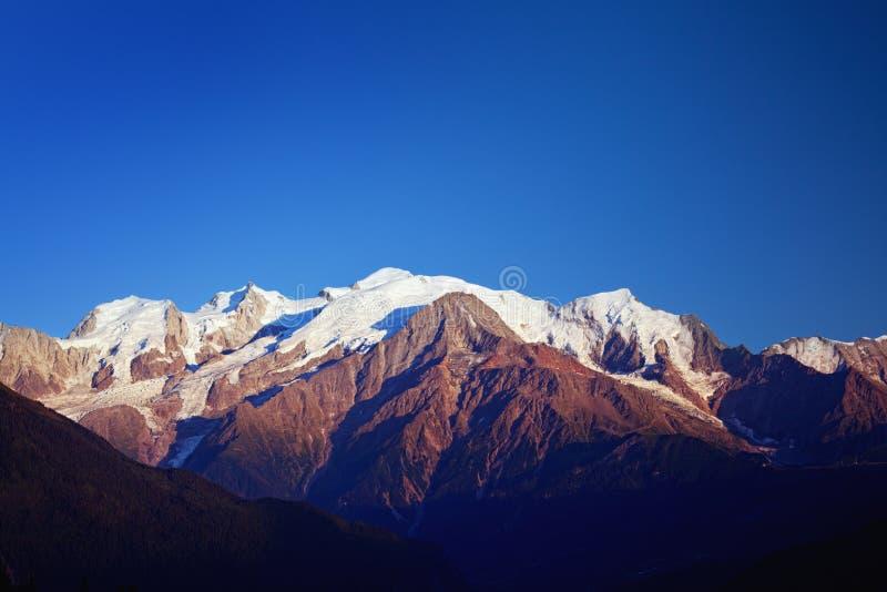 Mont Blanc w półmroku zdjęcie royalty free
