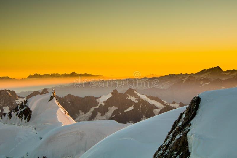 Mont Blanc-zonsopgang royalty-vrije stock foto's