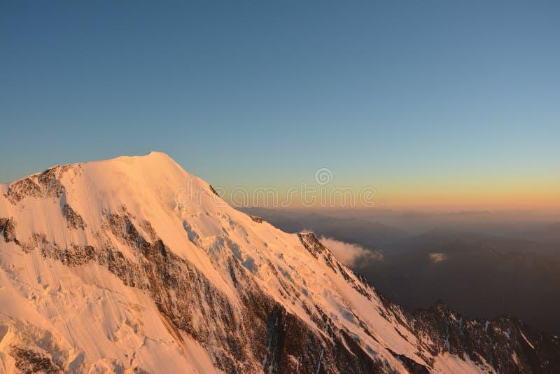 Mont Blank massiv royaltyfri bild