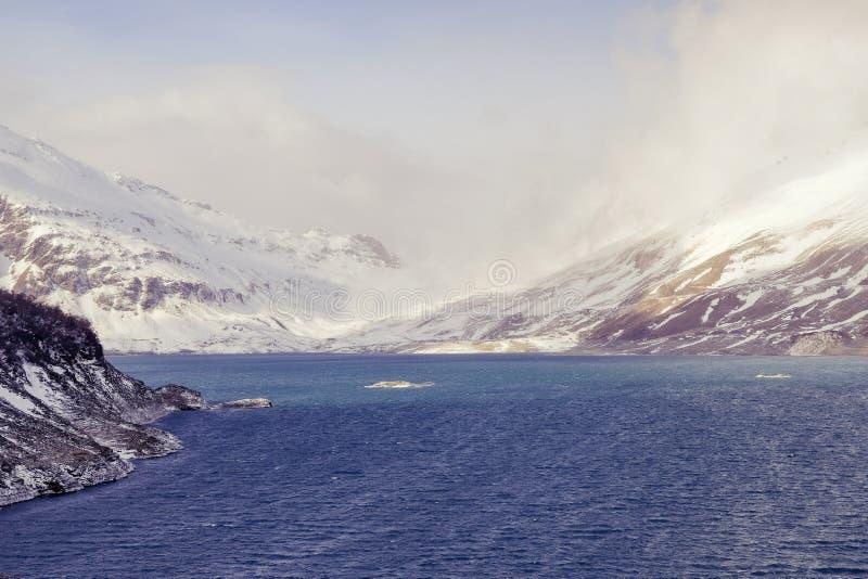 Mont-Cenis или озеро Moncenisio в зиме стоковая фотография rf