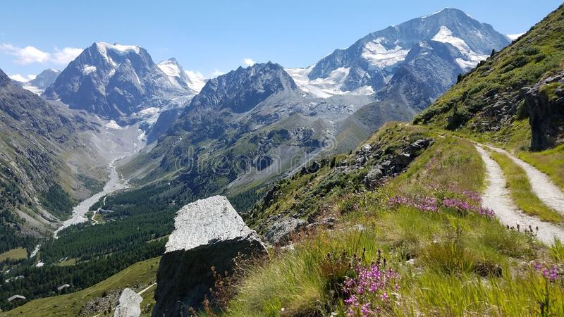 Mont Collon - Arolla, Wallis, Suiza foto de archivo libre de regalías