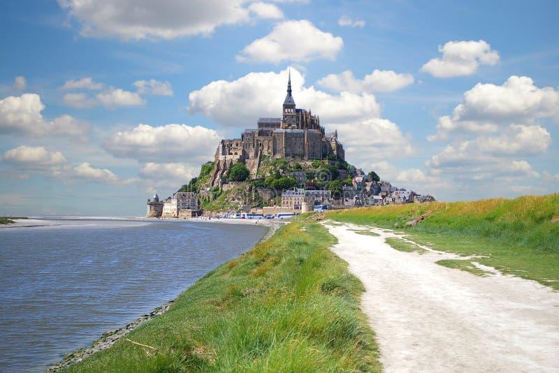 Download Mont Saint Michel stockfoto. Bild von monastery, michael - 10176114