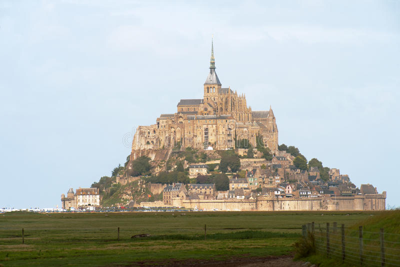 Download Mont Saint Michel stock photo. Image of attraction, normandie - 21247770