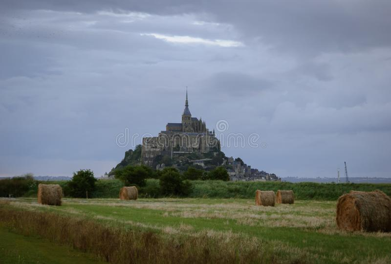 Mont Saint Michel del campo francia imagen de archivo
