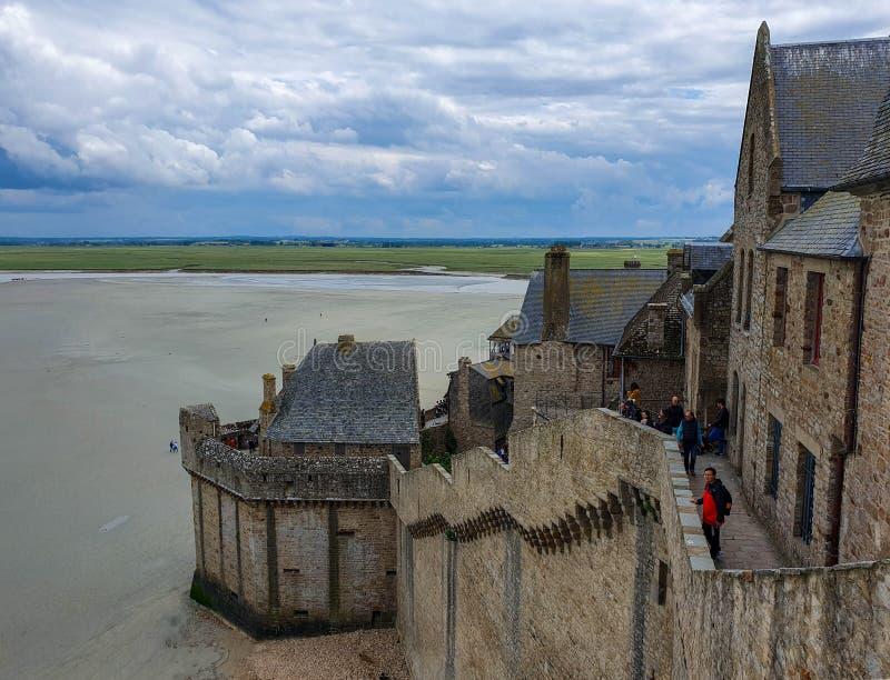 Mont Saint-Michel, Normandy, França do norte ver?o 2019 imagens de stock