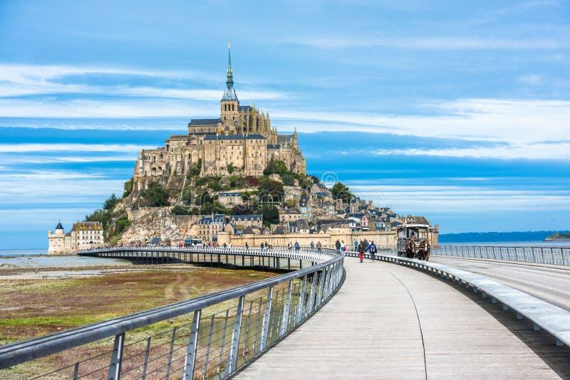 Mont-Saint-Michel, uma ilha com a abadia famosa, Normandy, franco imagens de stock