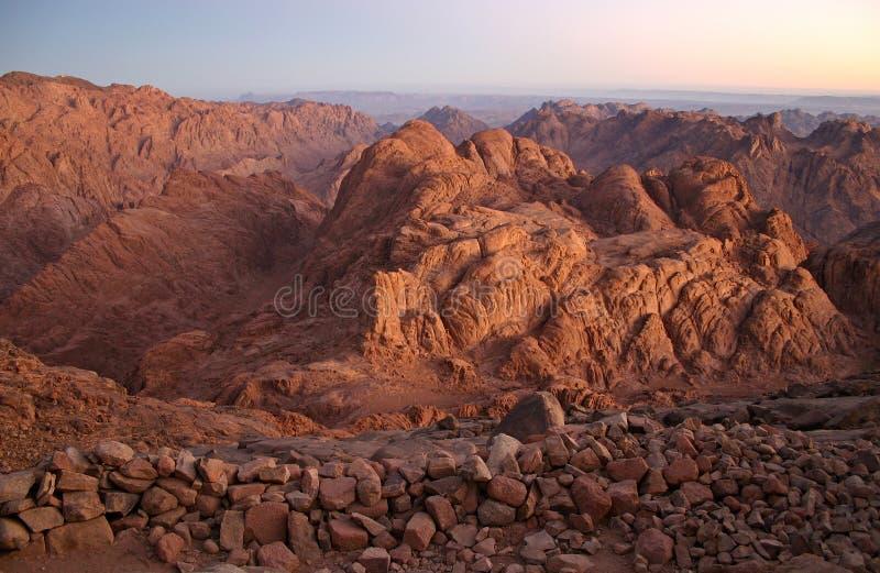 mont Sinaï de début de la matinée images stock