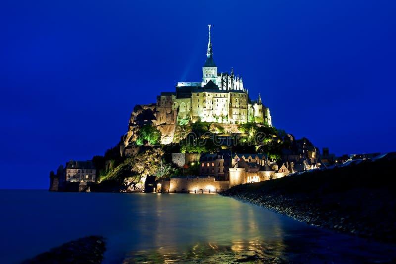 Mont St Michel in Normandië in Avond stock fotografie