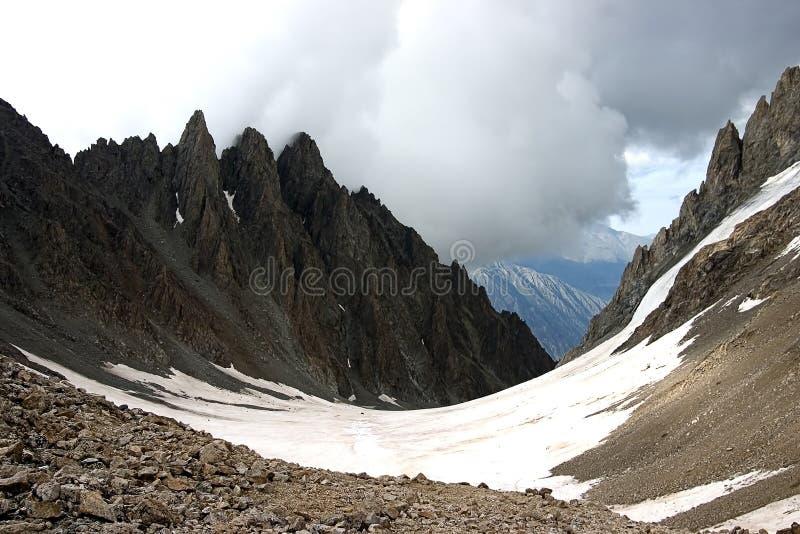Download Montaña foto de archivo. Imagen de tapa, as, altura, glaciar - 1275068