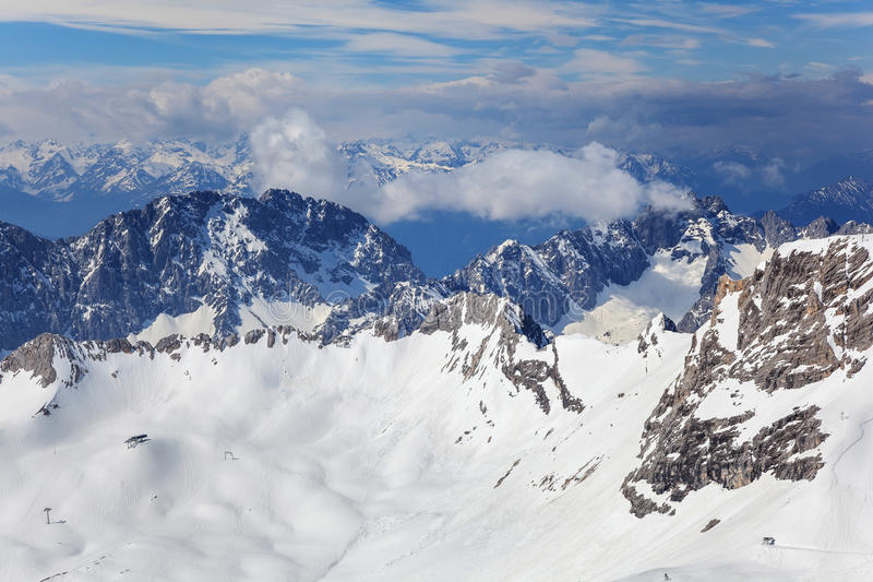 Montaña alpina de las montañas fotografía de archivo