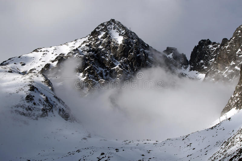 Montaña - alto tatry (pleso de Skalnate, Eslovaquia) imagen de archivo libre de regalías