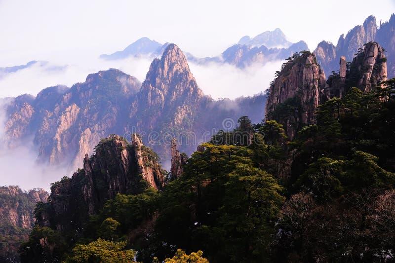 Montaña (amarilla) de Huangshan imagen de archivo libre de regalías