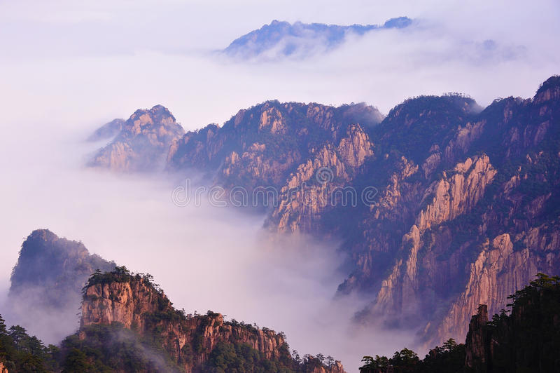 Montaña (amarilla) de Huangshan fotografía de archivo libre de regalías