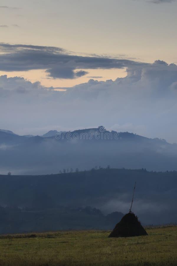 Montaña cárpata fotografía de archivo