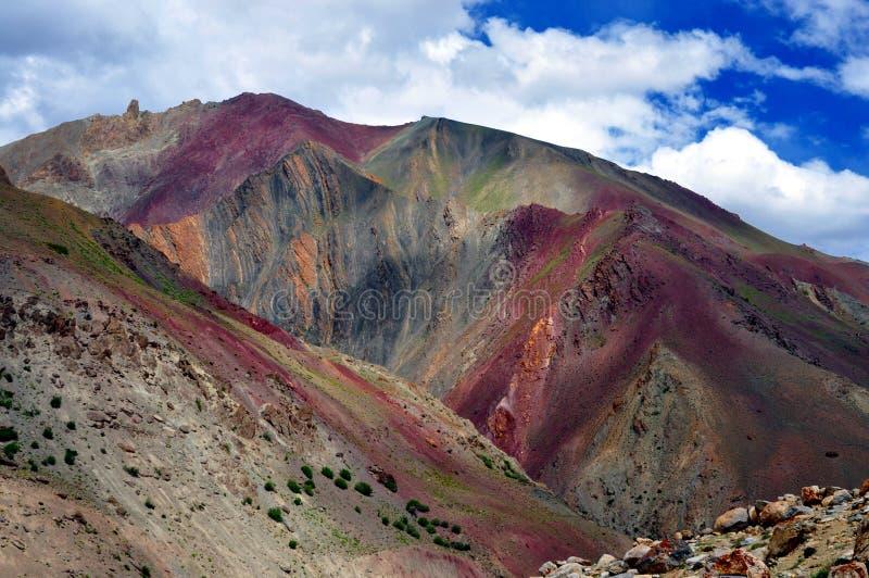 Montaña colorida de Ladakh, la India imágenes de archivo libres de regalías