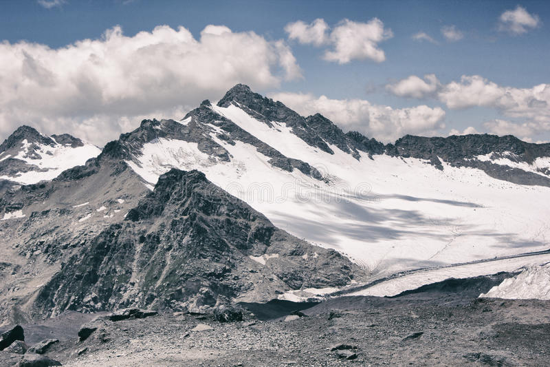 Montaña con hielo fotos de archivo