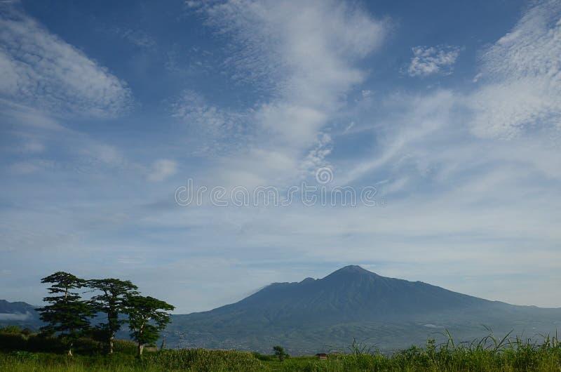 Montaña de Arjuno foto de archivo