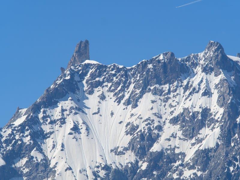 Montaña de Dent du Geant del macizo Italia Francia de Blanc del soporte imágenes de archivo libres de regalías