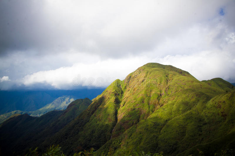 Montaña de Fansipan fotos de archivo