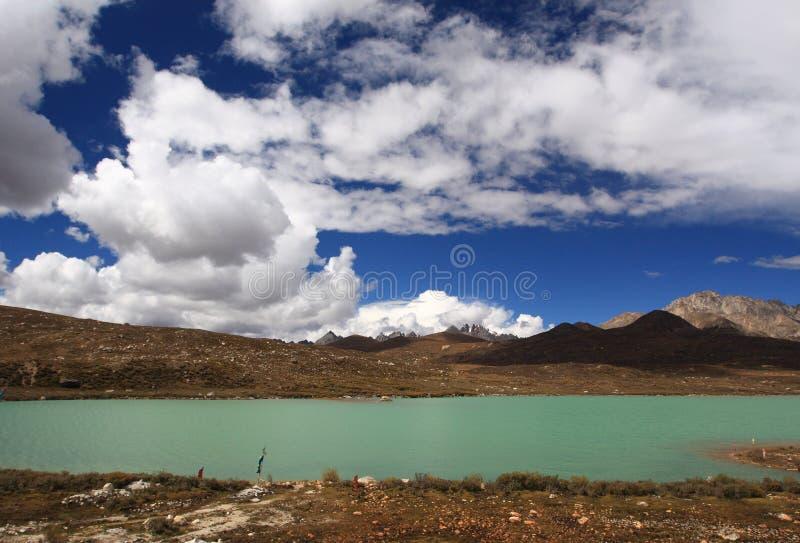 Montaña de Haizi y lago sisters en Tíbet imagen de archivo