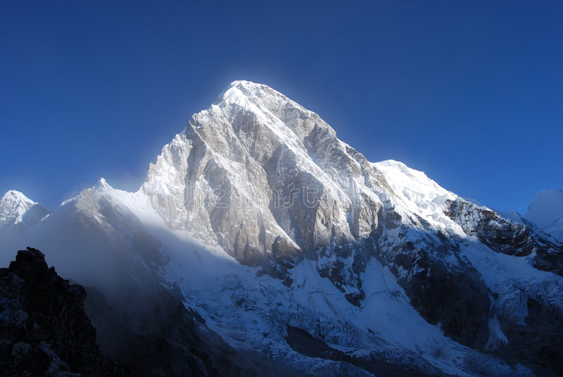 Montaña de Himalaya imagen de archivo