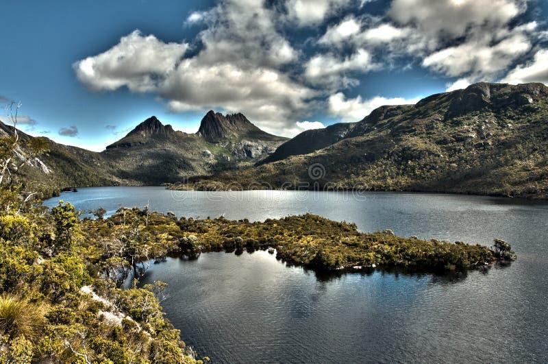 Montaña de la horquilla y paloma del lago imagen de archivo libre de regalías