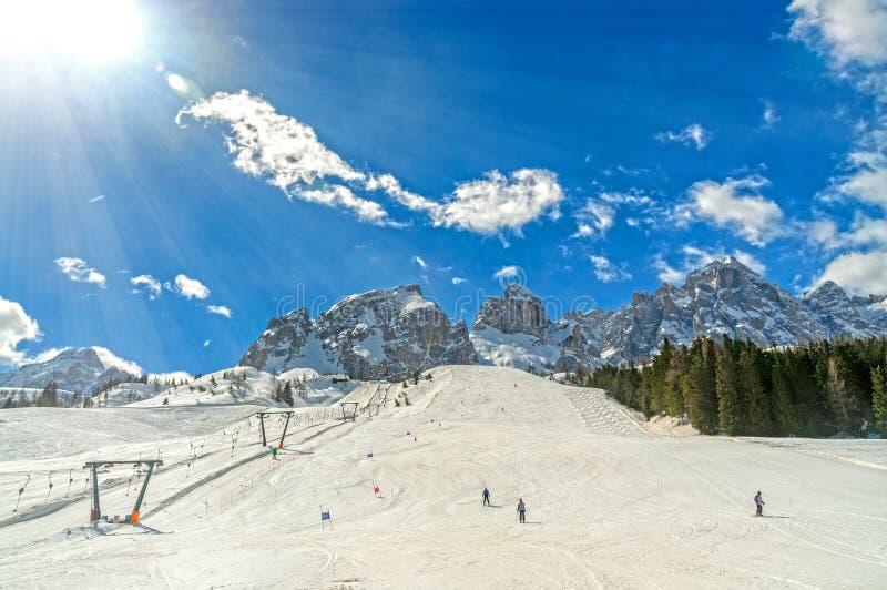 Montaña de las dolomías en invierno imagen de archivo