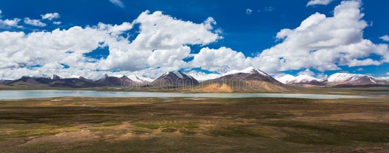 Montaña de Nianqing Tanggula foto de archivo libre de regalías