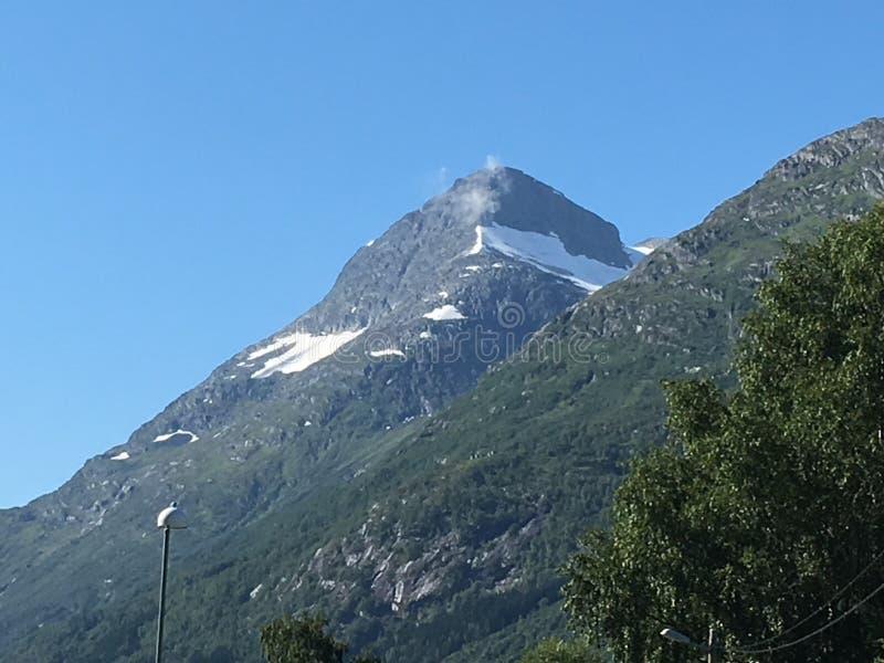 Montaña de Noruega fotografía de archivo