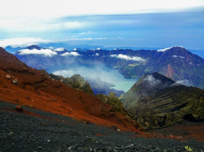 Montaña de Rinjani, Lombok Indonesia imagenes de archivo