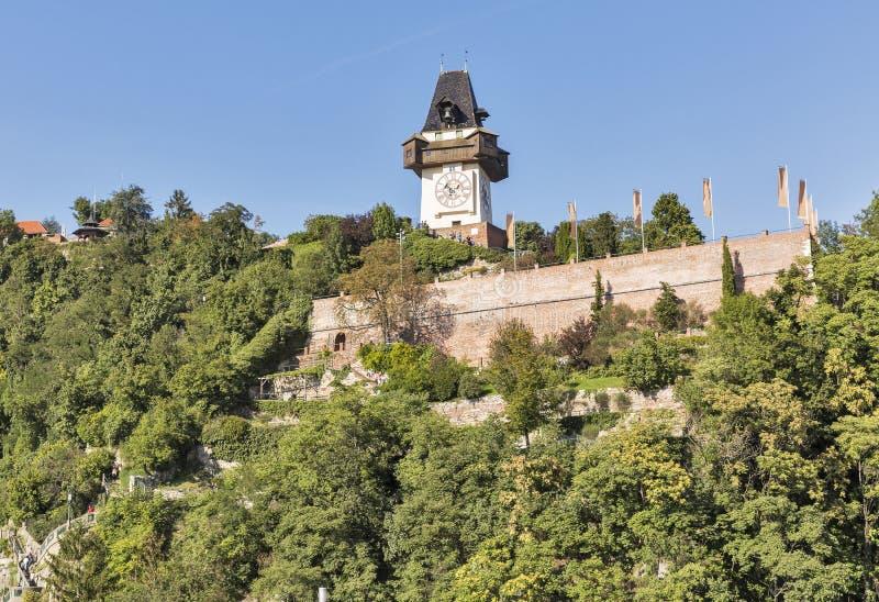 Montaña de Schlossberg o de la colina del castillo en Graz, Austria imagen de archivo libre de regalías