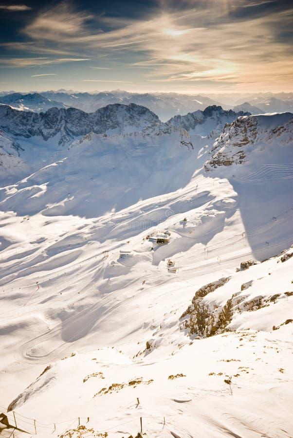 Montaña de Zugspitze escénica imagen de archivo