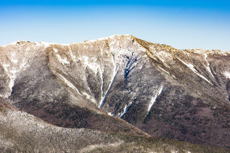 Montaña del cañón en Franconia, NH vía el Hola-cañón, pariente Ridge, a fotografía de archivo
