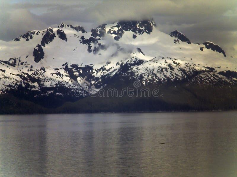 Montaña en Alaska imagen de archivo libre de regalías